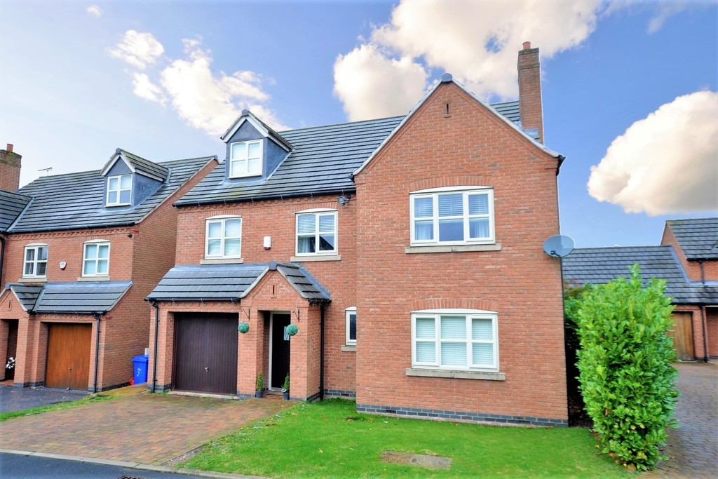 Knights Place, Bretby